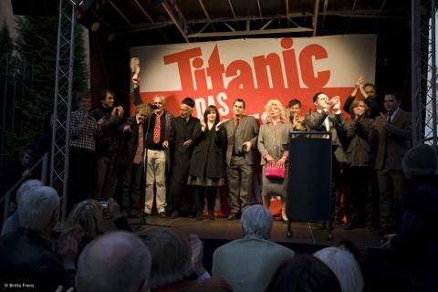 Alle - 30 Jahre Titanic, Caricatura Ffm 3. Okt 09 © Foto Britta Frenz